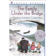 The Family Under the Bridge Paperback
